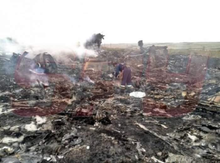 VIDEO A ales MOARTEA! Ce-a făcut un însoţitor de zbor chiar înainte să se îmbarce în MH17, cursa avionului Malaysia Airlines care s-a prăbuşit în Ucraina!