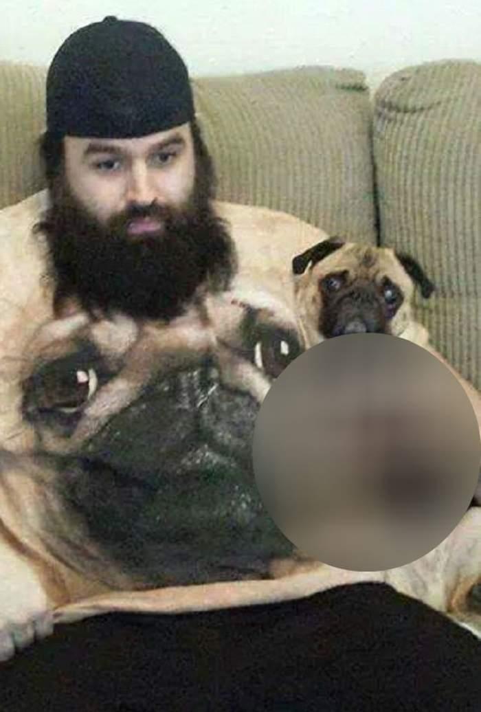 Nu ai să crezi în ce este îmbrăcat acest câine! Până unde ajunge obsesia stăpânilor
