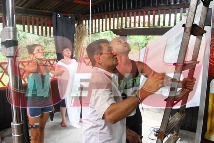 """FOTO / Imagini inedite din viitoarea ediţie """"Poftiţi pe la noi""""! Ce vor face vedetele, presate de nea Mărin!"""