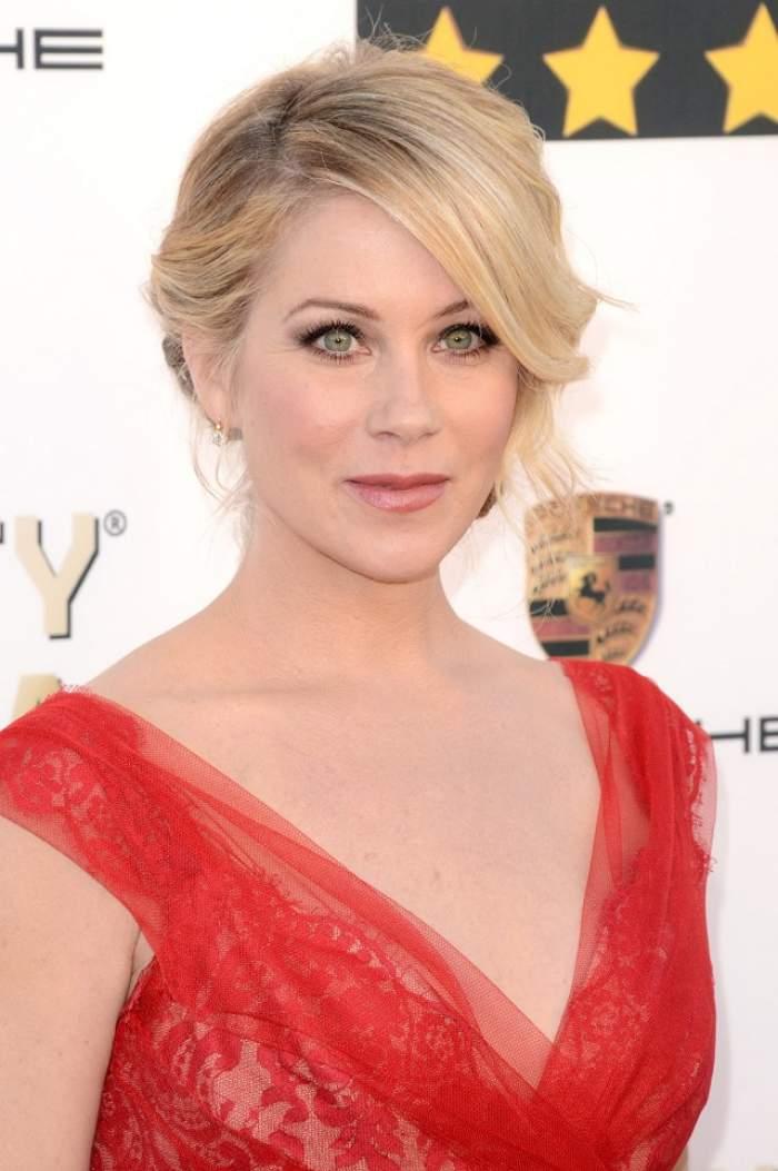 """Christina Applegate, actriţa din """"Familia Bundy"""", se pregăteşte să devină mămică? Detaliul care a dat-o de gol!"""