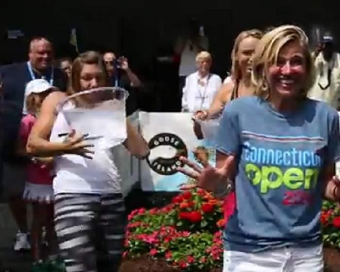 VIDEO / Simona Halep i-a turnat apă rece pe cap directorului de la Premier Connecticut Open! Ce au avut de împărţit!