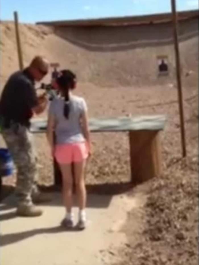 VIDEO şocant / O fetiţă de 9 ani şi-a împuşcat instructorul în cap