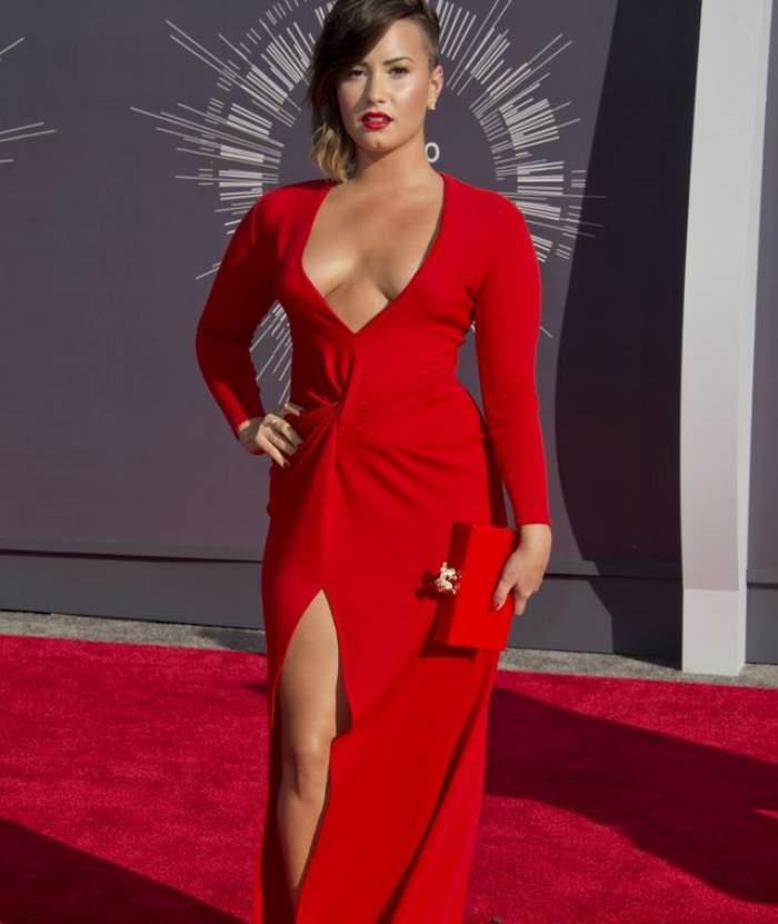 """Drama neştiută a cântăreţei Demi Lovato: """"Îmi era ruşine cu mine"""""""
