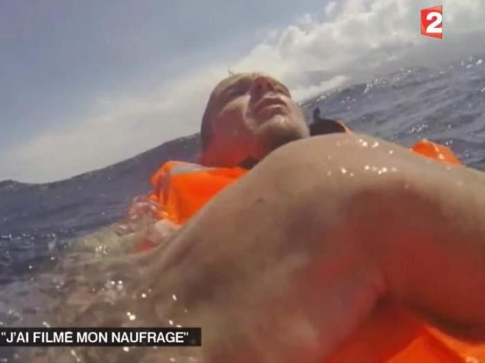 VIDEO DRAMATIC /  Un bărbat care a naufragiat în ocean a filmat întreaga scenă teribilă