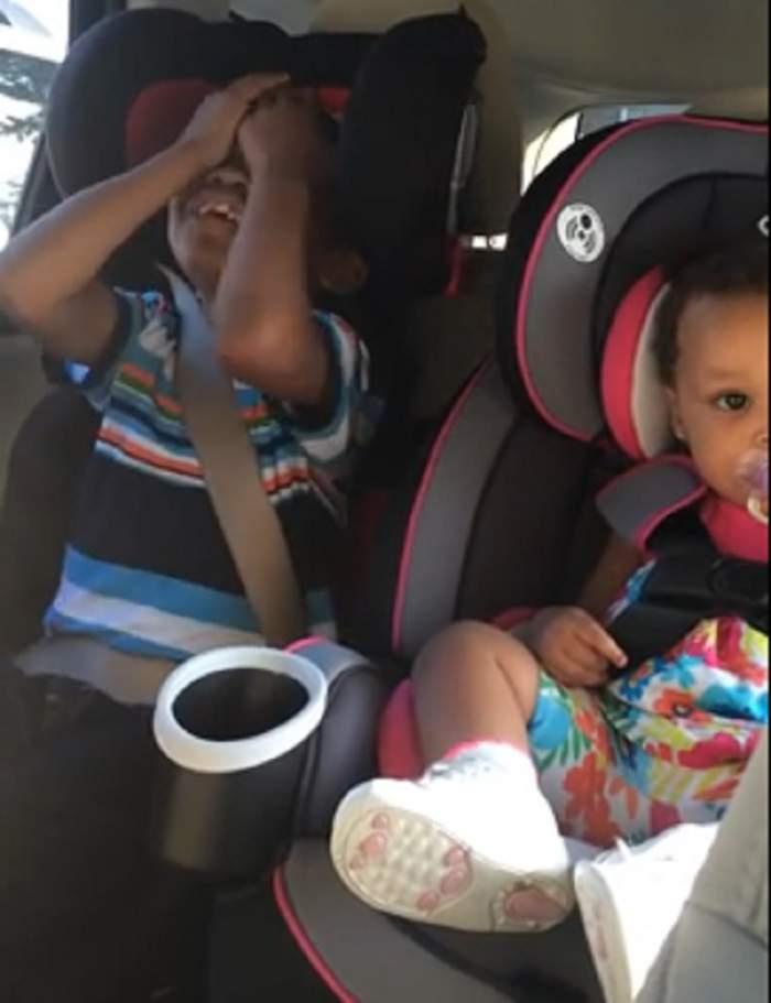VIDEO / Reacţia ULUITOARE a unui băieţel când mama lui îi spune că e iar gravidă! A făcut înconjurul Internetului!