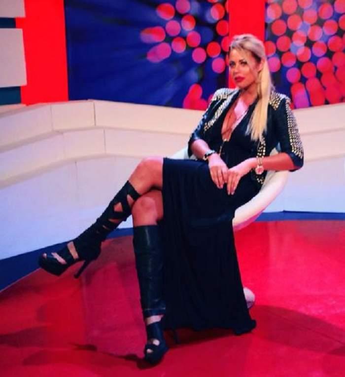 Roxana Nemeş, sexy în costum de baie! Imaginaţia bărbaţilor a luat-o razna când au văzut-o