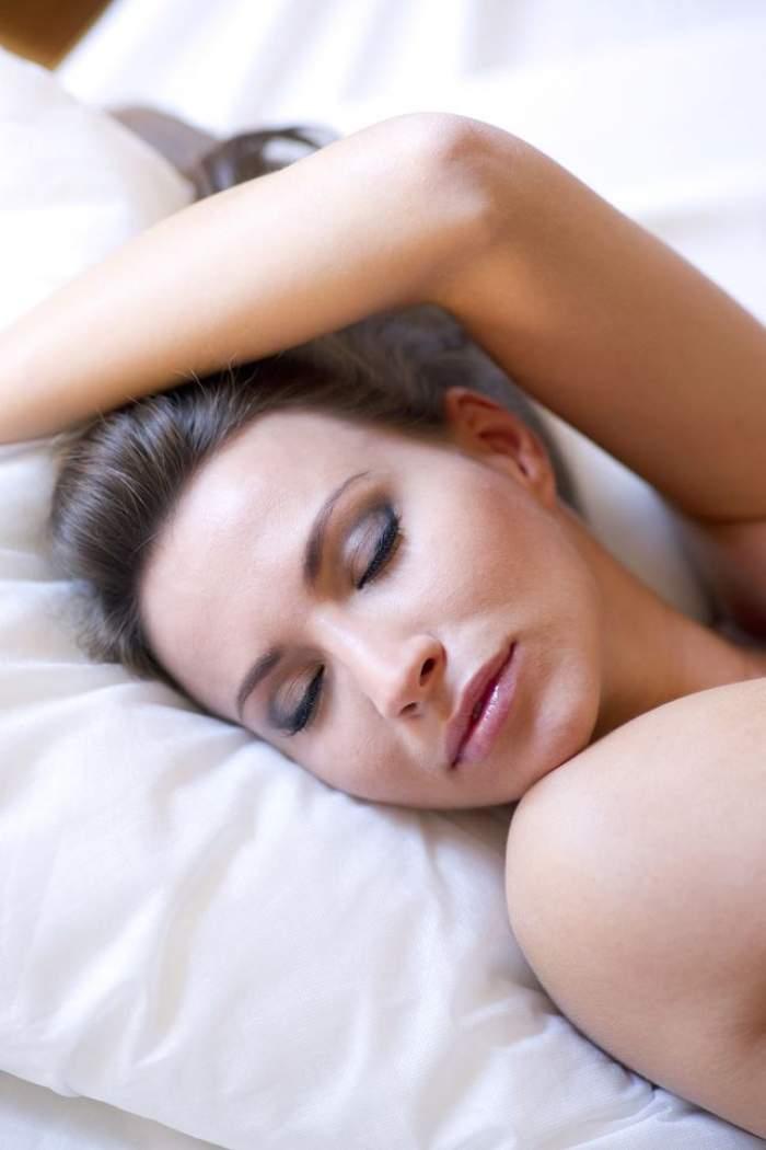 Tu suferi de paralizia în timpul somnului? Iată cum se manifestă
