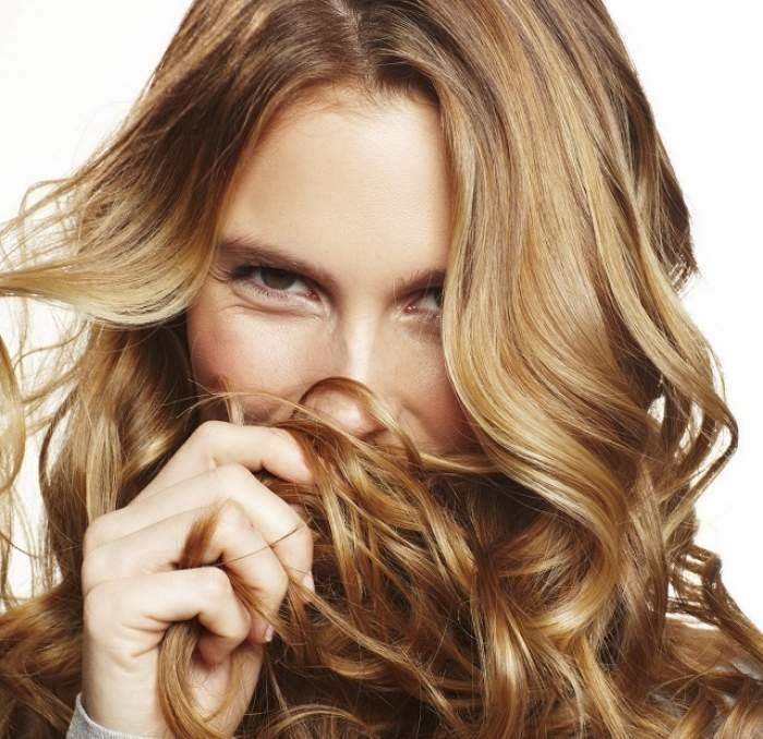 VIDEO / Asta nu ştiai! Cum îţi ondulezi părul fără placă sau bigudiuri