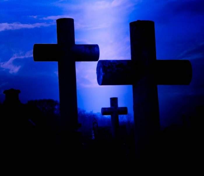"""Descoperire şocantă într-un mormânt din Alba. """"Pe tăbliţă sunt trecute numele unor FEMEI, iar BLESTEMUL este devastator"""""""
