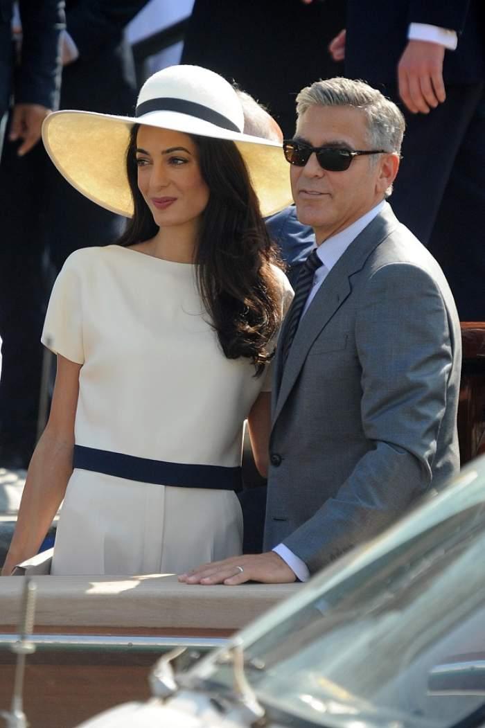 PRIMELE FOTOGRAFII cu rochia de mireasă a soţiei lui George Clooney!