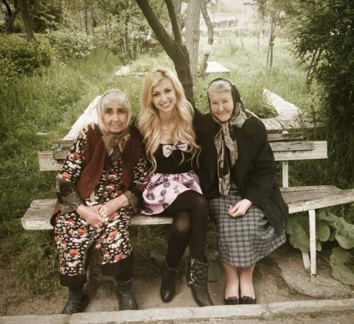 """Imagini cutremurătoare cu Andreea Bălan şi bunica acesteia care e pe moarte: """"Cum să mă împac cu gândul că..."""""""
