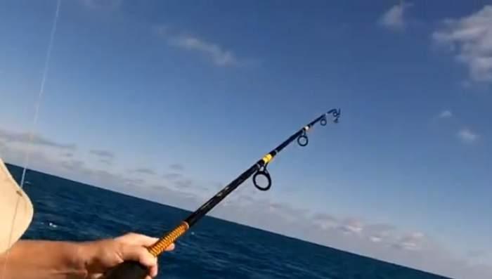 Șoc la pescuit! Când au văzut ce au prins au încremenit