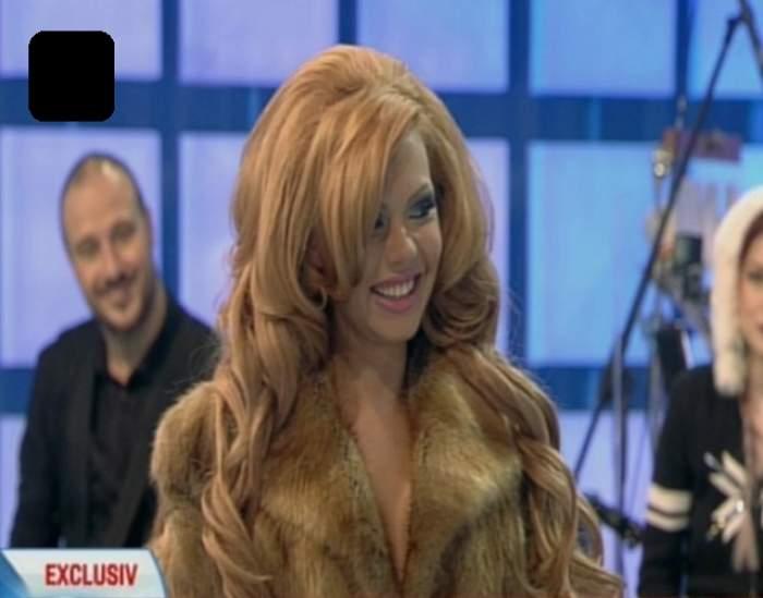 PRIMA APARIŢIE într-un platou TV a lui Beyonce de România, cu formele tunate! Şi-a expus investiţia de 20.000 de euro în COSTUM DE BAIE