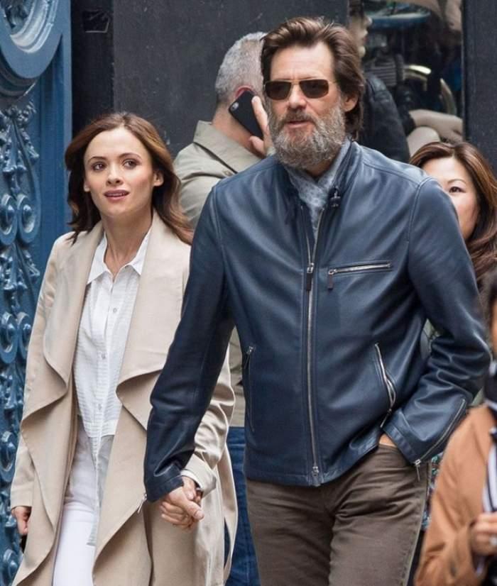 Ultima apariţie a lui Jim Carrey cu iubita sa, Cathorina White. Nimic nu avea să prevestească faptul că tânăra se va sinucide! Păreau mai fericiţi ca niciodată