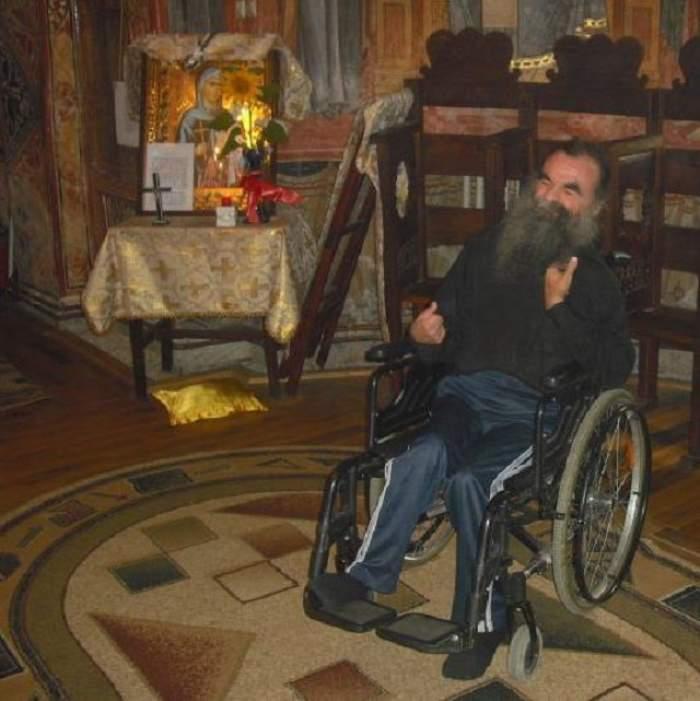 Povestea fabuloasă a călugărului paralizat care totuşi alină suflete pierdute pe Internet! Fotografii emoţionante cu acesta!