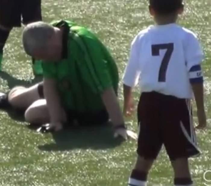 VIDEO / Un arbitru a fost făcut KO de un copil!
