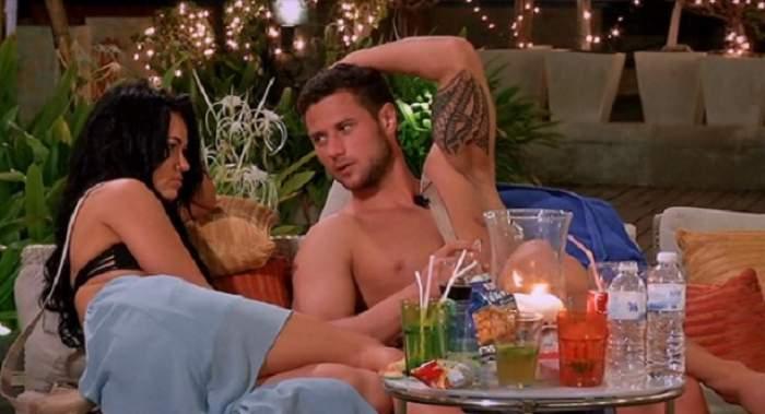 """Ce face Tomiţă de la """"Insula iubirii"""", în timp ce Deea luptă pentru trofeul """"X Factor"""""""
