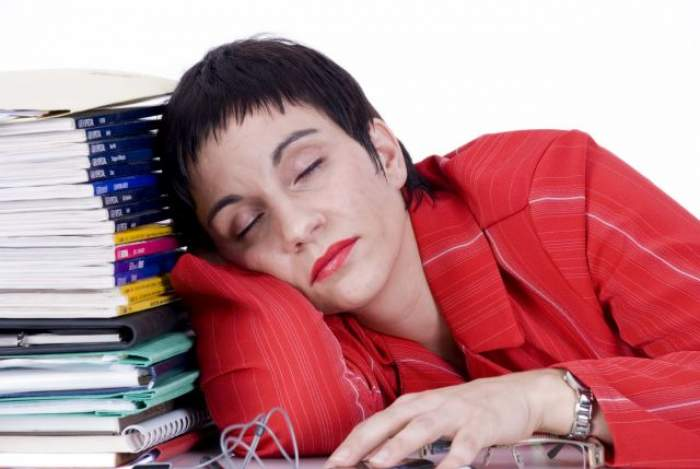 ÎNTREBAREA ZILEI - SÂMBĂTĂ: De ce este bine să fii leneşă?