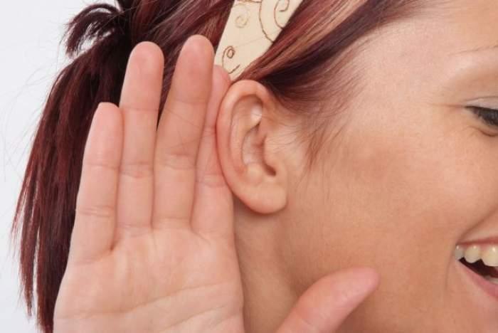 ÎNTREBAREA ZILEI - DUMINICĂ: Ce se întâmplă în organismul tău dacă pui un cârlig de rufe pe ureche?