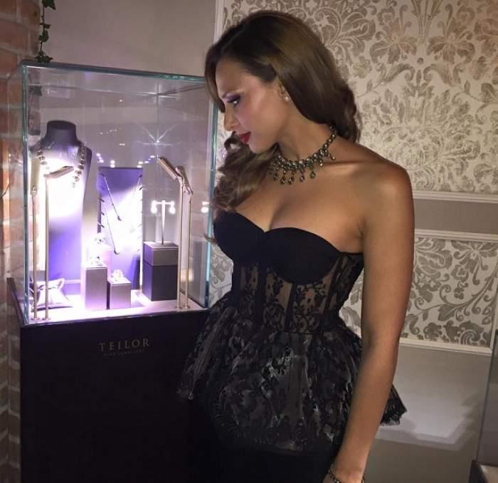 Iulia Vântur, apariţie de senzaţie la botezul fiicei Andrei! Ce rochie a îmbrăcat vedeta la eveniment