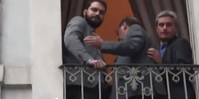 VIDEO / Gestul incredibil al unor politicieni italieni! Cum le-au spus romilor că vor să plece din ţara lor! Ce părere ai despre fapta lor?
