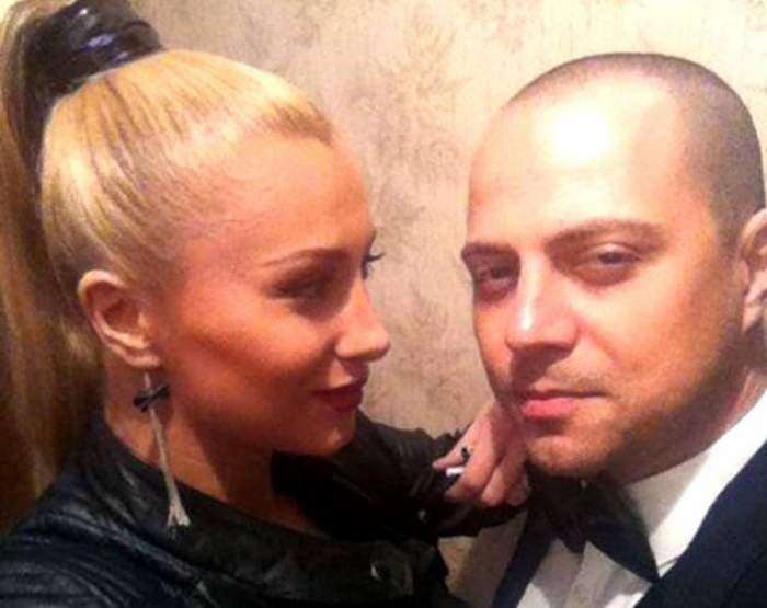 Cum a sărbătorit Dan Badea un an de la divorţul de Lora? Întâlnire cu iz romantic alături de o blondă ce îi seamănă fostei soţii
