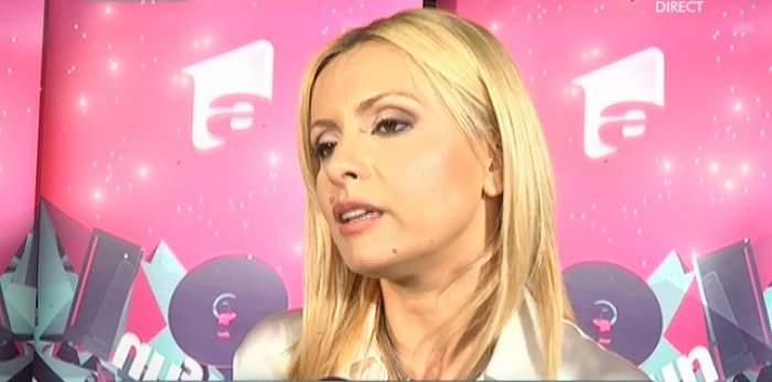 Simona Gherghe, aşa cum foarte rar ai putea să o vezi! Ce părere are prezentatoarea despre operaţiile estetice?