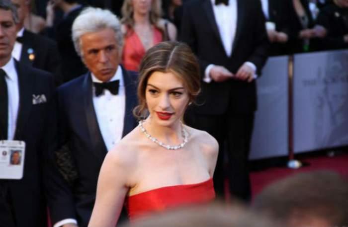 Actriţa Anne Hathaway este însărcinată cu primul său copil