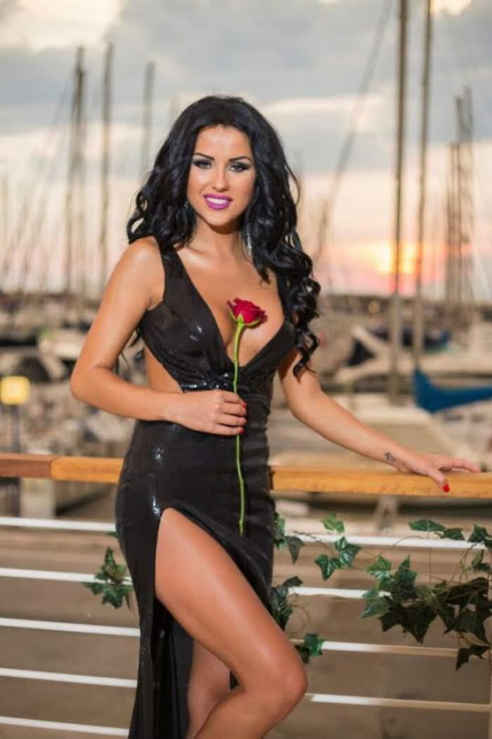 """Daniela Crudu, în ipostaze tandre cu unul dintre concurenţii de la """"Burlăciţa""""! EL să fie alesul inimii brunetei?"""