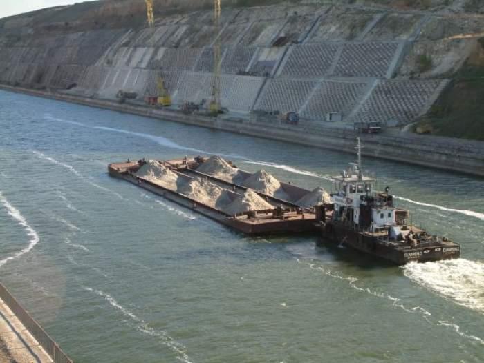 Accident grav în Constanţa! Un bărbat a căzut cu maşina în  Canalul Dunăre - Marea Neagră!