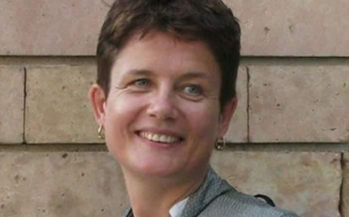 Moarte misterioasă pe aeroport. O jurnalistă britanică a fost găsită spânzurată în toaletă
