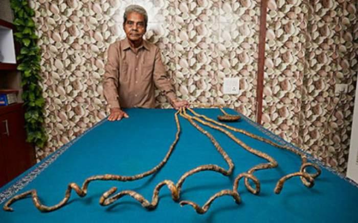 VIDEO / Are cele mai lungi unghii din lume. Nu şi le-a mai tăiat de 62 de ani. Uite cum arată bărbatul care a uimit lumea