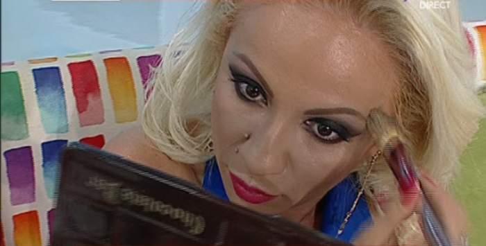 Rocsana Marcu s-a demachiat, în direct! Cum arată prezentatoarea fără make-up pe faţă?