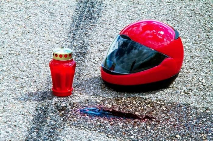 Tragedie pe o stradă din Bucureşti! UN POLIŢIST a căzut cu motocicleta într-o groapă şi a murit!