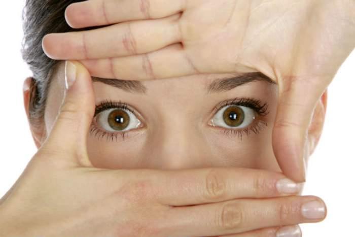 ÎNTREBAREA ZILEI - MIERCURI: Cum te feresc de boală clipitul des sau mâncatul cu mâna stângă?