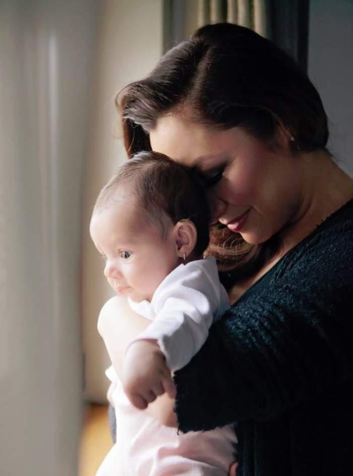 """Fotografie inedită cu fetiţa Andrei! """"Astăzi, Eva a împlinit trei luni!"""""""