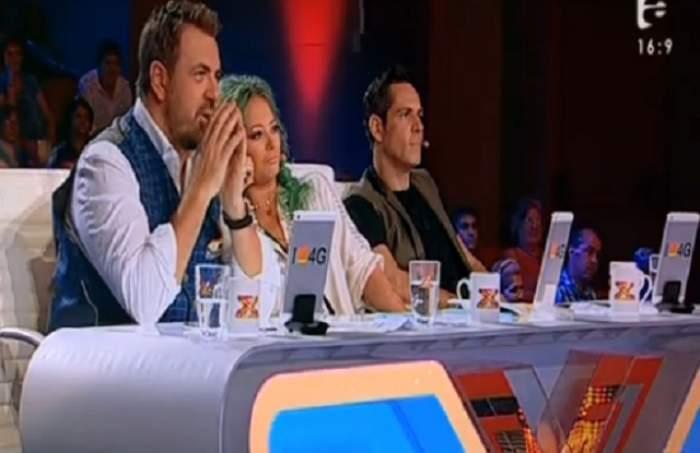 """VIDEO / Juraţii de la X Factor enervaţi la maximum: """"Aţi greşit emisiunea!"""" Doi concurenţi au cântat melodia M**E"""
