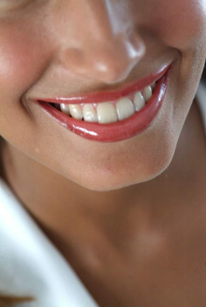 Ce spune forma dinţilor despre despre personalitatea ta? Priveşte-ţi dantura cu atenţie în oglindă şi vei afla lucruri interesante
