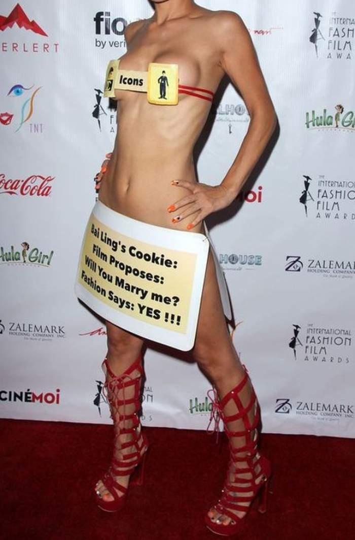 A comis-o din nou! O actriţă controversată a apărut AŞA pe covorul roşu
