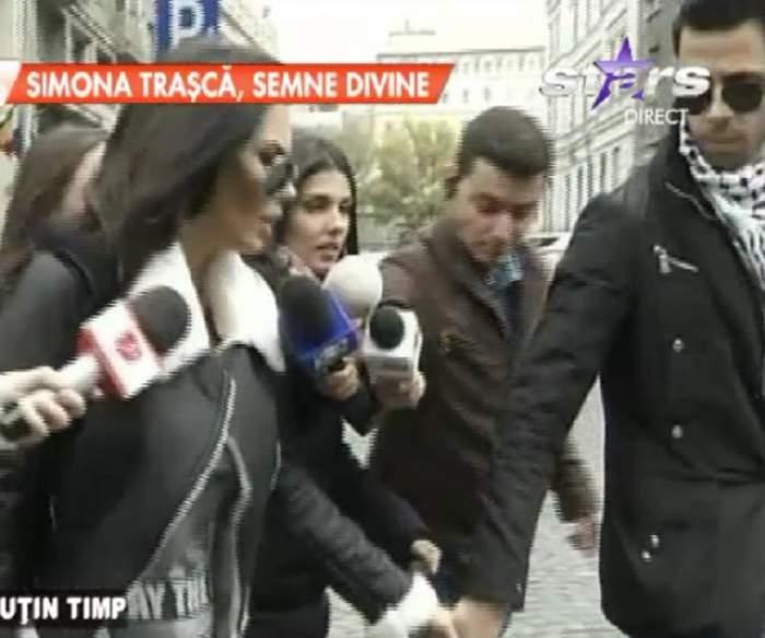 VIDEO / Oana Zăvoranu, de mână cu Ashraf la Poliţie! Ce se întâmplă cu bruneta în aceste momente