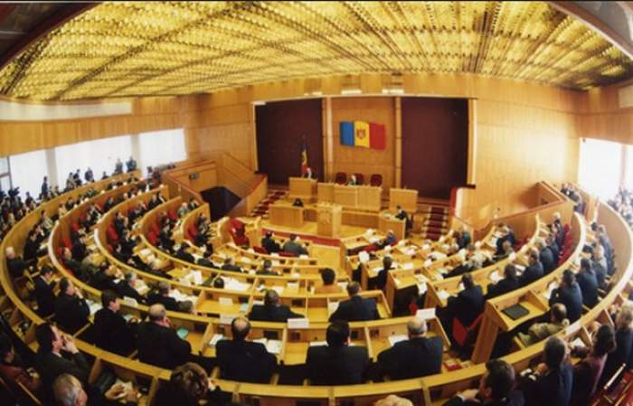 Ştire de ultimă oră! Premierul Valeriu Streleţ i-a înaintat demisia preşedintelui