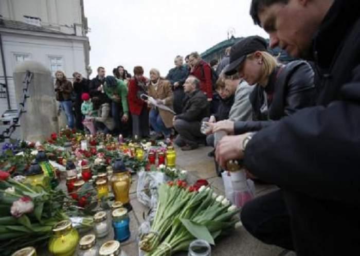Doliu naţional timp de trei zile! Care sunt obligaţiile autorităţilor şi cetăţenilor români în această perioadă