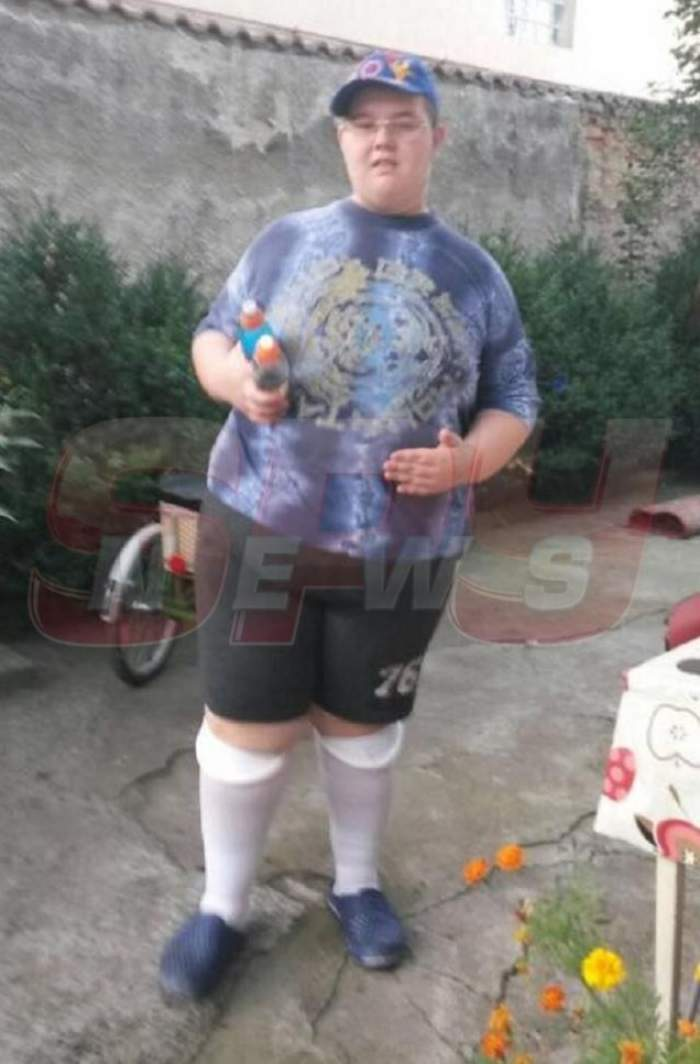 EXCLUSIV / O nouă lovitură pentru adolescentul obez din Braşov! Un lucru banal îi poate aduce moartea puştiului abia operat!