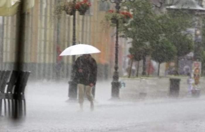 Ultimă oră! ANM a emis cod galben de ploi însoţite de descărcări electrice şi grindină