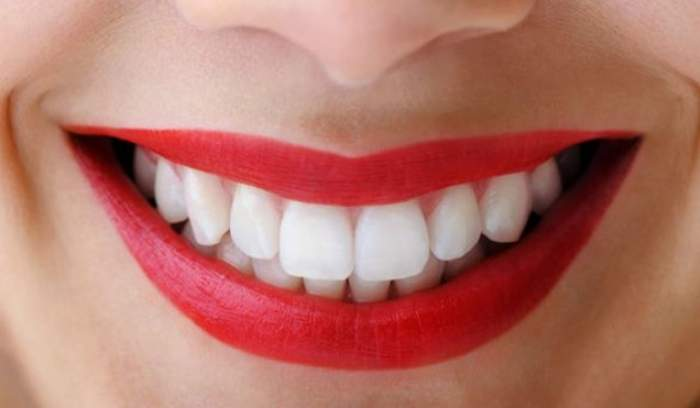 ÎNTREBAREA ZILEI - VINERI: Cum să scăpăm de carii fără să mergem la dentist
