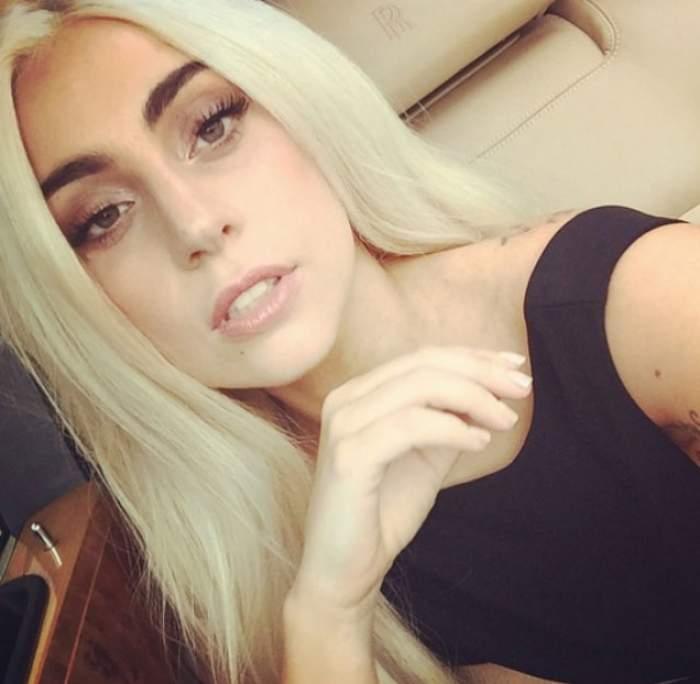 Fotografia care îţi va întoarce stomacul pe dos! În ce ipostază dezgustătoare s-a fotografiat Lady Gaga! E goală şi...
