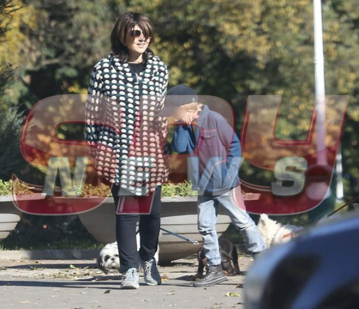 Imagini EXCLUSIVE cu Oana Sârbu și fiul ei! Vezi ce au făcut cei doi, în parc