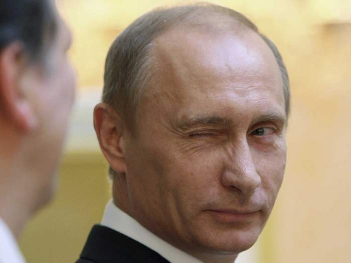 Recompensă colosală pentru prinderea teroriştilor care au doborât avionul rusesc din Egipt. Vladimir Putin a făcut anunţul: 50 de milioane de dolari