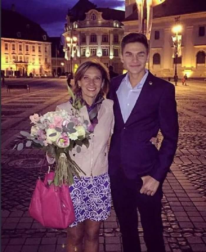 """România în doliu, Prima Doamnă își sărbătorește aniversarea! Prietenii soţiei lui Klaus Iohannis, scandalizaţi: """"Aşteptam o reacţie faţă de tragedia de la Colectiv"""""""