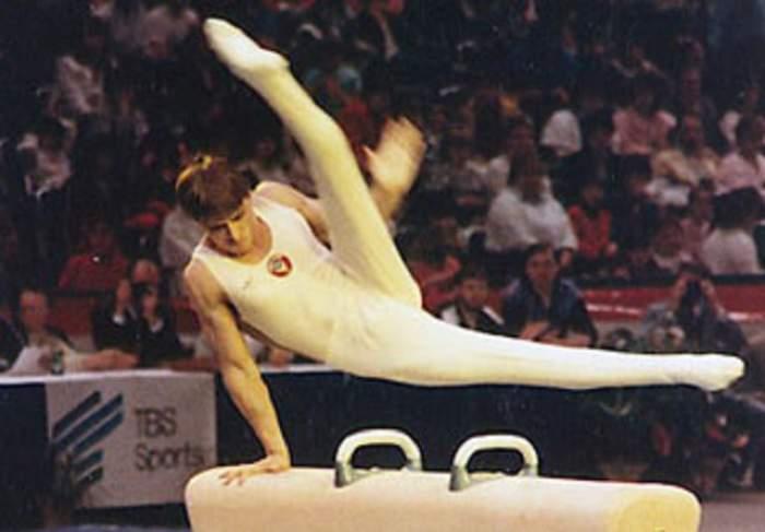 VIDEO / Un multiplu campion mondial la gimnastică a încetat din viață!